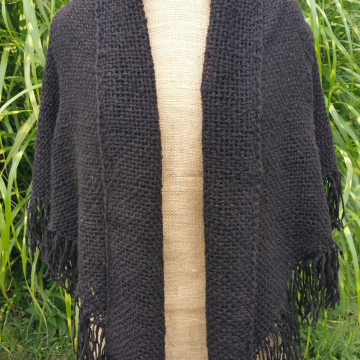 Hand-woven shawl (black)