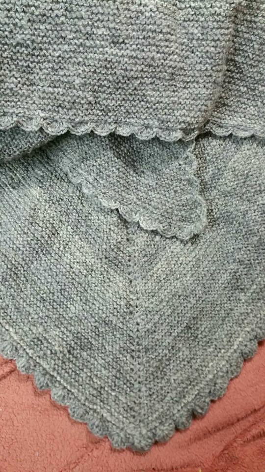Shawl knitted from 100% Shetland (Sven)